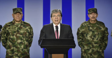 """El ministro de Defensa de Colombia califica de """"atroz atentado terrorista"""" el ataque con un camión bomba en el Cauca"""