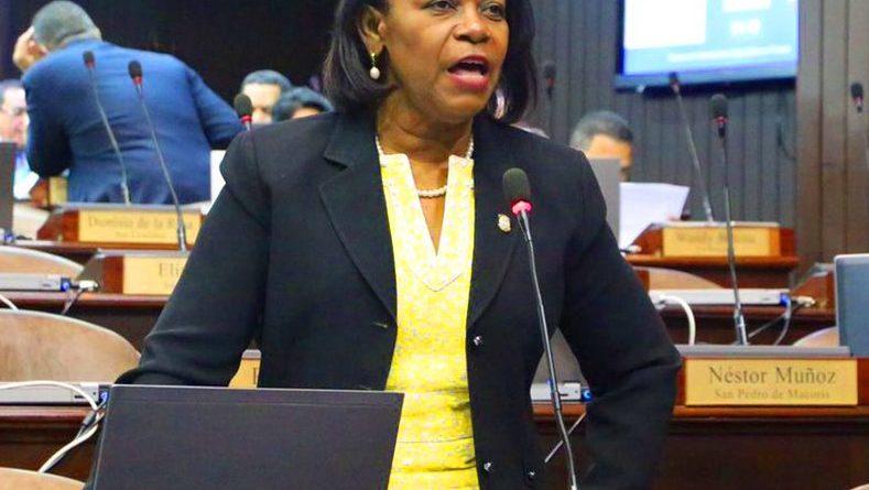 Diputada solicita al presidente Medina frenar desalojos en Guayacanes