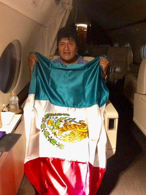 El canciller mexicano confirma que el avión con Evo Morales despegó de Bolivia