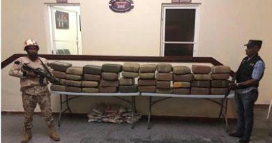 Envían a la cárcel a chofer que conducía ambulancia con 400 libras de presunta marihuana