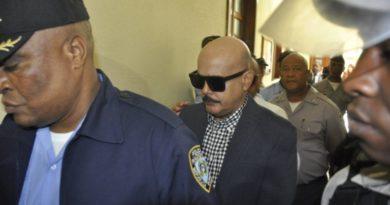 A juicio de fondo general acusado de delitos sexuales contra adolescente
