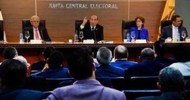 JCE aprueba el voto automatizado con conteo manual
