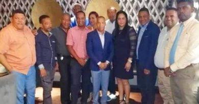Juan Carlos Echavarría (Joselito) realizó un encuentro con candidatos a regidores recién electos del PLD