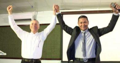 Merenguero El Jeffrey anuncia su apoyo a Manuel Jiménez como alcalde de SDE