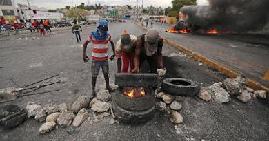 """""""Nuestra barricada es nuestro futuro"""": vivir entre calles bloqueadas en Haití"""