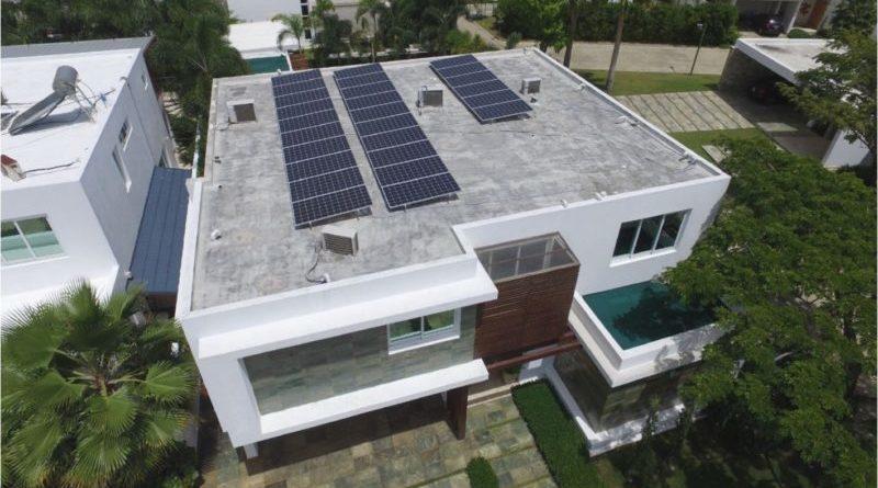 Afirma Edesur pone trabas instalación de paneles solares