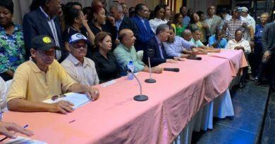 Fuerza del Pueblo presenta a Franklin Rodríguez como candidato a senador de San Cristóbal