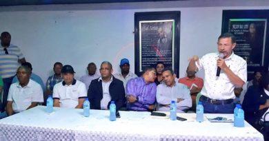 Comisiones del Comité Político se reúnen con dirigentes de provincias