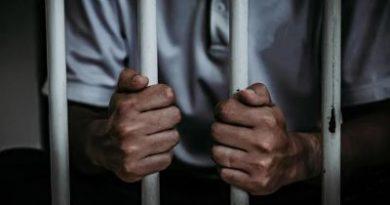 Prisión paradueño de negocio que operaba de manera ilegal máquina tragamonedas