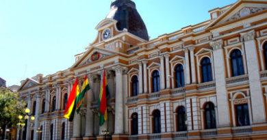 """Suspenden la sesión en la Asamblea Legislativa de Bolivia con el objetivo de contribuir a la """"pacificación"""""""