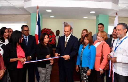 Ministro de Trabajo reinaugura representación local de esa entidad en Santo Domingo Este