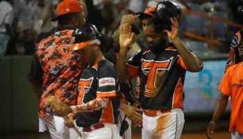Toros se adueñan del primer lugar al derrotar a los Tigres