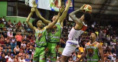 Dosa y Rebeldes a la final torneo baloncesto La Vega