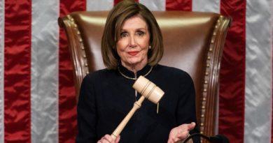 Pelosi amenaza con dejar a Trump en el limbo hasta que el Senado ceda