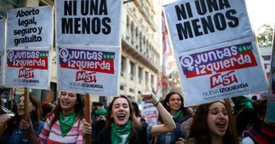 Detienen en Argentina a 10 hombres acusados de violar en manada a una joven de 18 años