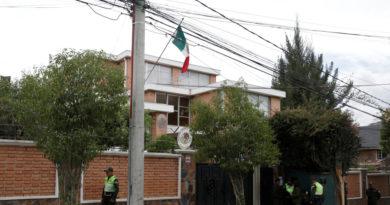El Gobierno de facto de Bolivia pedirá la expulsión de los diplomáticos españoles tras el incidente en la Embajada mexicana