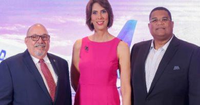 United Airlines celebra 30 años de presencia en República Dominicana