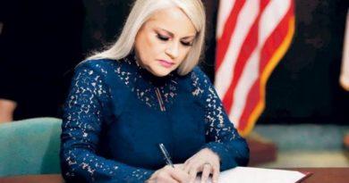 Actual gobernadora de Puerto Rico oficializa candidatura en busca de nuevo mandato