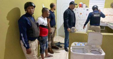 Autoridades ocupan droga y arma de fuego durante allanamientos en Bonao