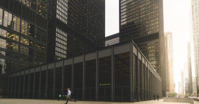 Bloomberg advierte sobre recortes de plantilla récord en los bancos desde 2015
