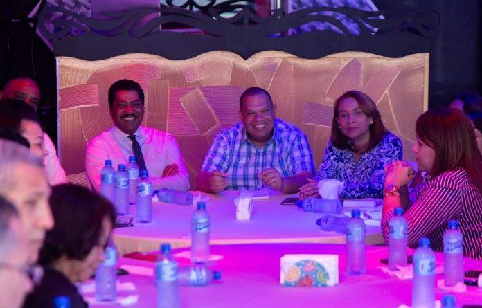 Carlos Guzmán exhorta a candidatos seguir trabajando unidos para garantizar triunfo