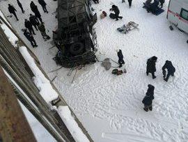Al menos 15 muertos tras volcar y caer desde un puente a un río congelado un autobús en Rusia