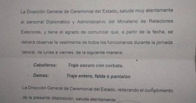 Cancillería de facto de Bolivia desautoriza decisión que le prohibía vestir ropa indígena a su personal