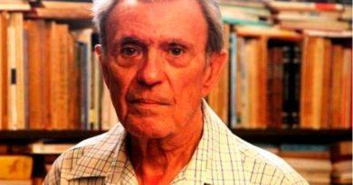 Muere de un infarto el escritor Carlos Esteban Deive