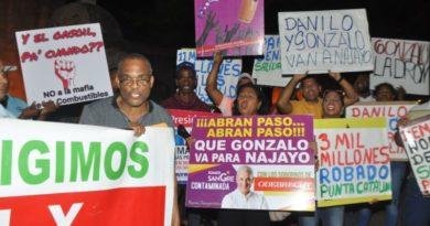 """Organizaciones encienden velas contra """"corrupción administrativa"""""""