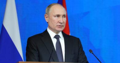 """Putin tilda de """"canalla"""" y """"cerdo antisemita"""" al antiguo embajador de Polonia involucrado en negociaciones con Hitler"""