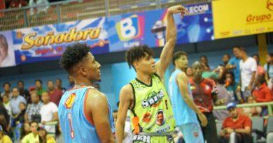 Antonio Guzmán y Savica ganan en basket superior de Higüey