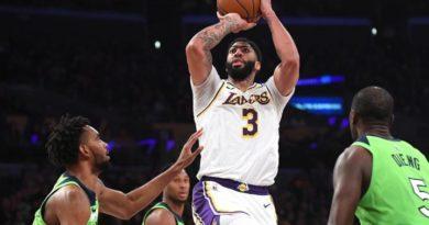Anthony Davis anota 50 puntos y Lakers consiguen su victoria numero 21 de la temporada