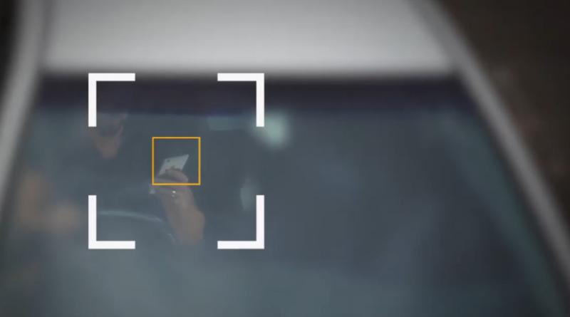 Desarrollan una inteligencia artificial capaz de detectar si estás usando el móvil al volante del coche
