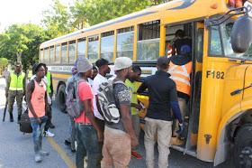 Autoridades de Migración continúan repatriación de cientos de nacionales haitianos