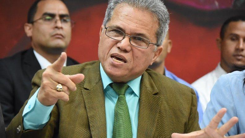 Presidente del CMD acusa al ministro de Salud Pública de abandonar diálogo