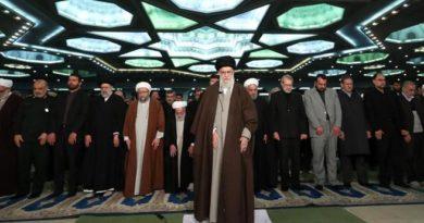Jamenei llama a cerrar filas en Irán