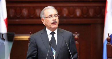 Presidente Medina designa nuevos cónsules en España, Italia, Alemania, Suiza y República Checa