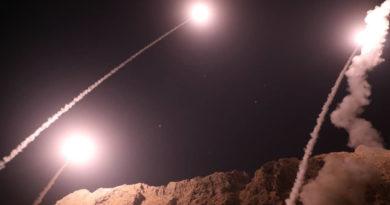 Aviones no identificados atacan objetivos al este de Siria