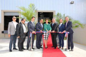 Empresa de tiendas aeroportuarias Dufry inaugura centro logístico en el AILA