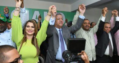 Candidato alcalde Francisco Luciano muestra su plan contra delincuencia en SDO
