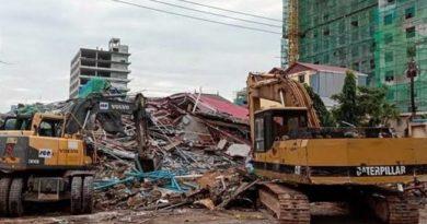Colapso de edificio deja atrapada a una veintena de trabajadores en Camboya