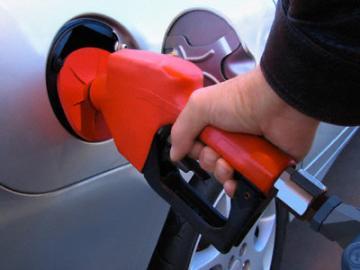 Combustibles bajan entre RD$0.30 y RD$3.50