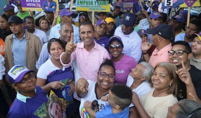 Domingo Contreras aboga por normas para el buen mantenimiento de los mercados