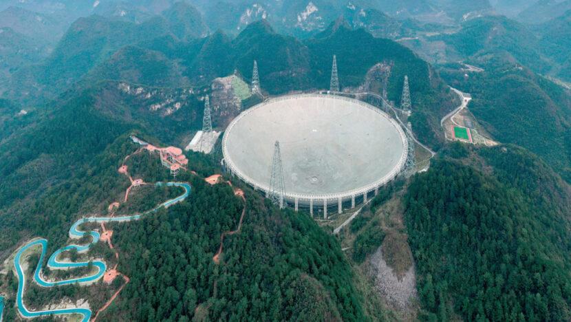 El radiotelescopio chino más grande del mundo comienza a operar con toda su capacidad