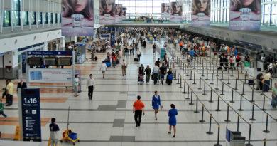 Hallan 82 kilos de cocaína en la bodega de un avión en el aeropuerto argentino de Ezeiza