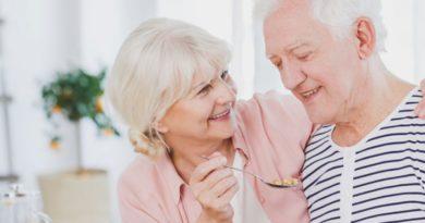 Investigación revela que comer yogurt puede evitar el Parkinson