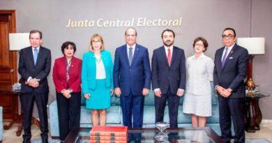 Observadores internacionales con luz verde en las elecciones