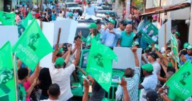 """Leonel dice la Fuerza del Pueblo enfrenta """"enemigos poderosos y adversidades"""""""