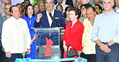 Abinader se opone Gobierno venda acciones Punta Catalina