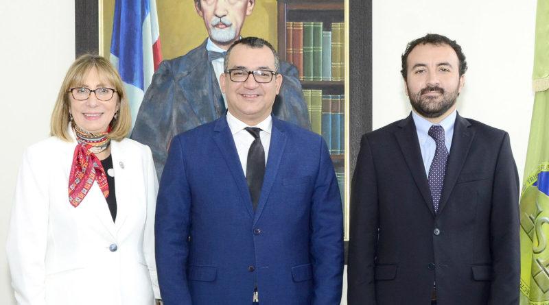 Presidente del TSE se reúne con representantes de misión preliminar de la OEA